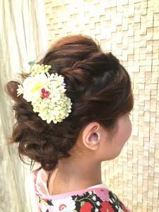 前回の大和撫子プロジェクトで作った髪飾りにもぴったりのアレンジも教えてくださいます♪